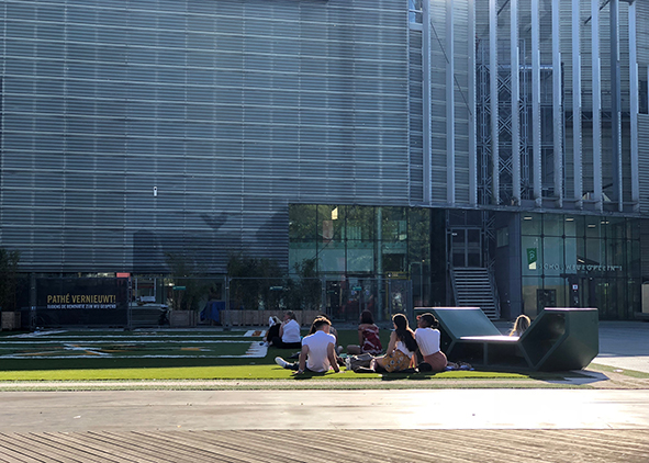 A 'useless' design furniture (by West8, 1996) in Schouwburgplein, Rotterdam, (credit: L. Errante, 2018). AGATHÒN 06 | 2019
