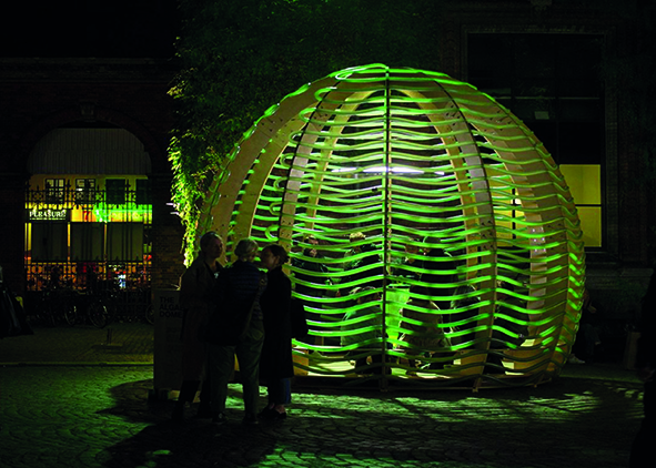 People gathering and chatting under the Algae Dome in Copenhagen, 2017 (credit: N. A. Vindelev, 2017). AGATHÒN 06 | 2019