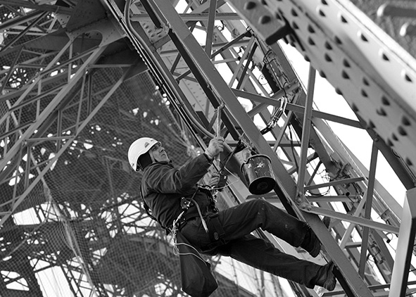 Maintenance of the Eiffel Tower (Societé Nouvelle d'Exploitation de la Tour Eiffel)